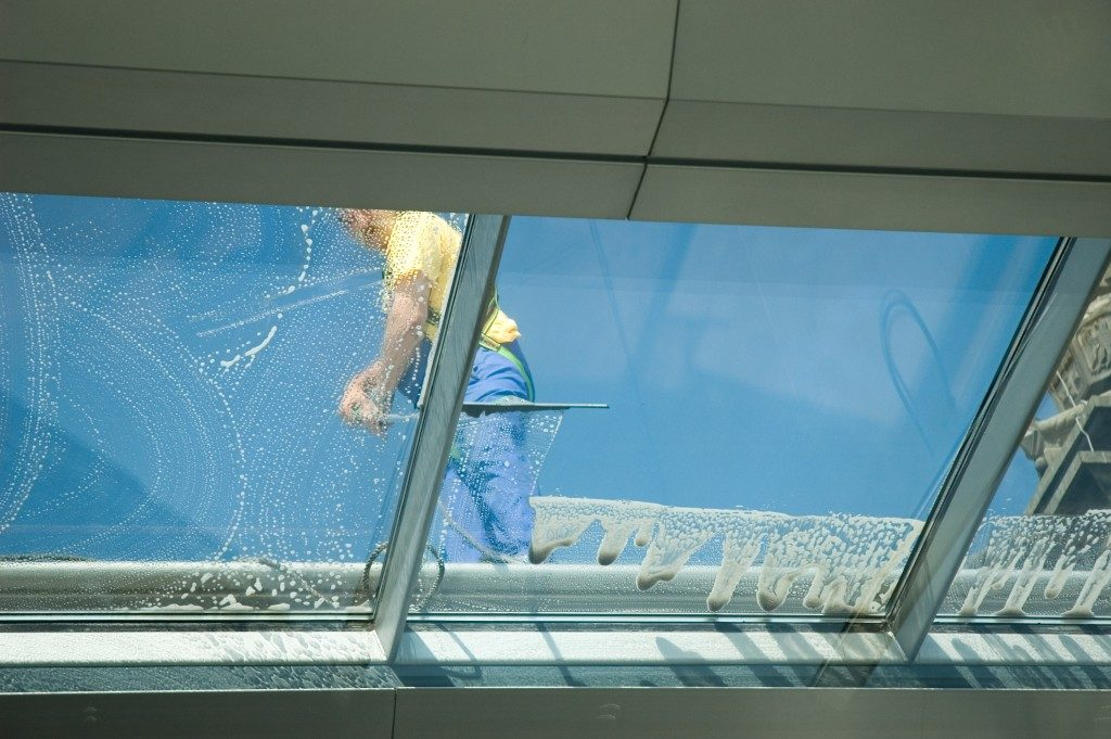cleaning the roof